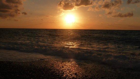 Hotel La Praia: tramonto sul mare a Zambrone