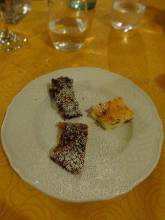 Ristoro Al Vecchio Teatro: Dessert sampling plate