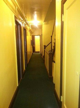 Taylor Hotel: Hallway 3