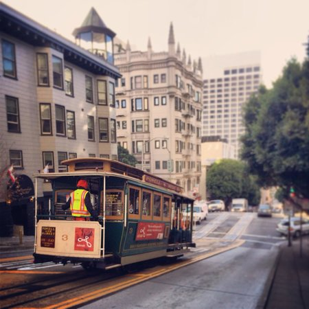 Cable car in nob hill