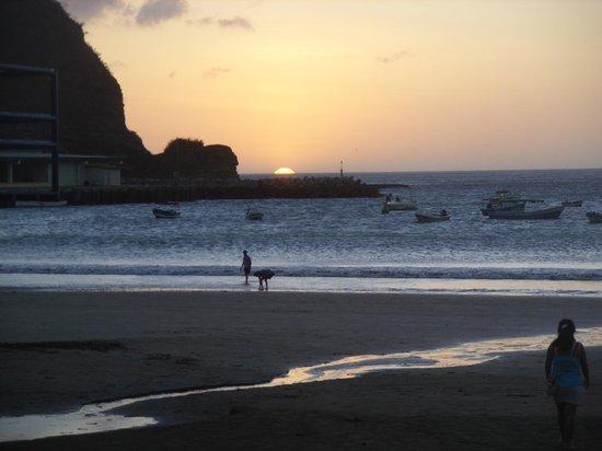 San Juan del Sur Beach: por do sol no pacífico em San Juan del Sur