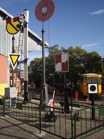 Asociación Alicantina de Amigos del Ferrocarril (Associació Alacantina d'Amics del Ferrocarril): Signalisation