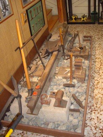 Asociación Alicantina de Amigos del Ferrocarril (Associació Alacantina d'Amics del Ferrocarril): Outils de voie