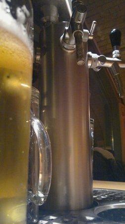 The Pub: Le spillatrici