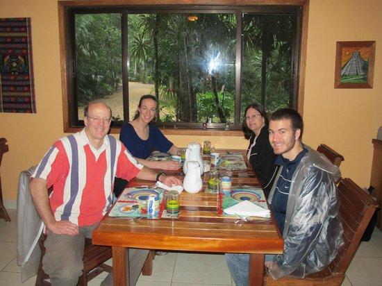 Mariposa Jungle Lodge : Dining room