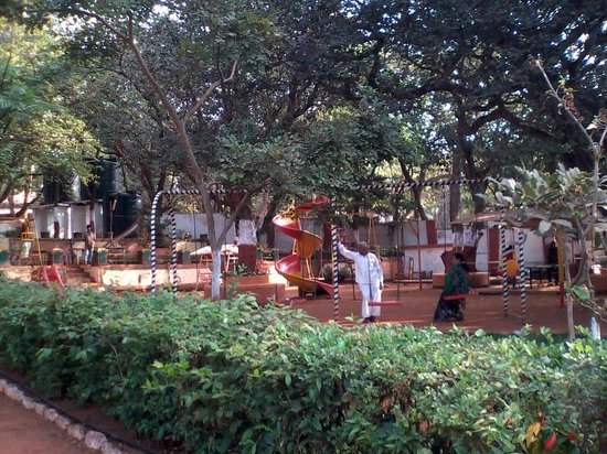Gujarat Bhavan Hotel: Family/Play area