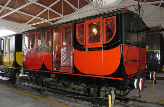 Museu del Ferrocarril : Vagón de 1º clase del centenario