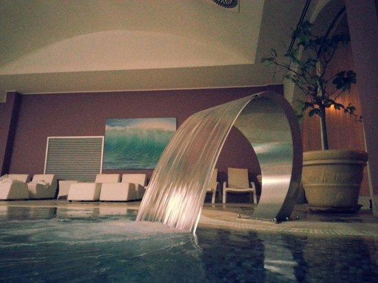 Hotel Touring : La piscina