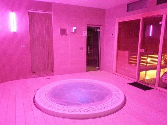 Hotel Touring : Zona umida - idro con cromoterapia