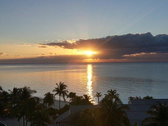 Grand Lucayan, Bahamas : Balcony Sunrise 1