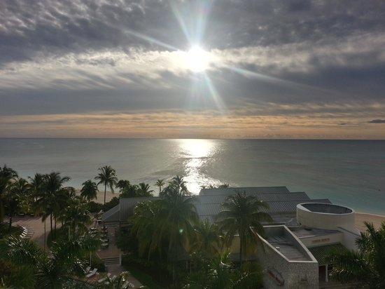 Grand Lucayan, Bahamas : Balcony Sunrise 3