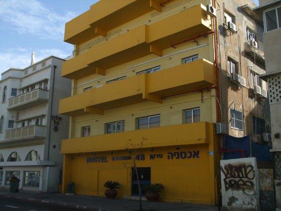 Hayarkon 48 Hostel: Hostel facade