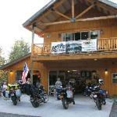 DiamondStone Guest Lodges: Homestead's Motofantasy.net Garage