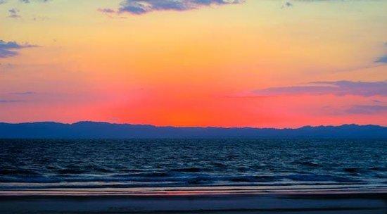 Cabinas Los Cocos : Sunset over Osa Penninsula