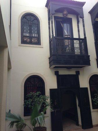 Riad Litzy: Balcone