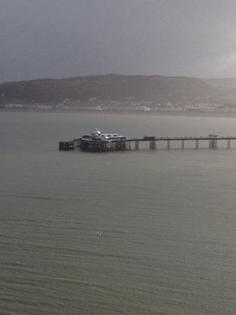 Glascoed Guest House: Llandudno pier on our windy stay in january!