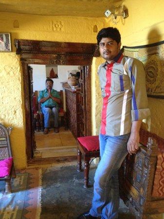 Hotel Killa Bhawan: Manish