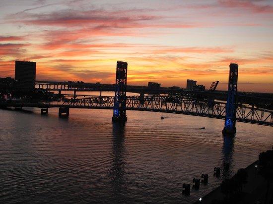 Hyatt Regency Jacksonville Riverfront: View from the Hyatt at sunset