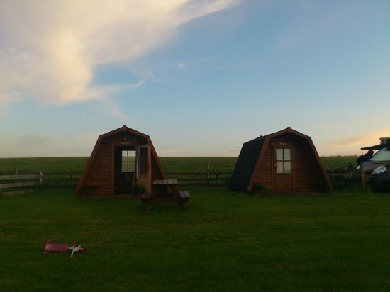 Ayre's Rock Hostel: pods