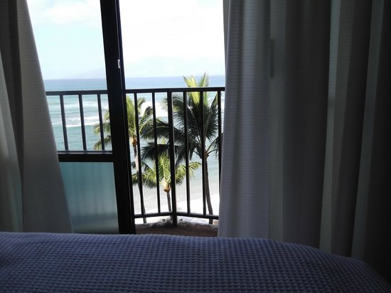 Valley Isle Resort: bedroom view