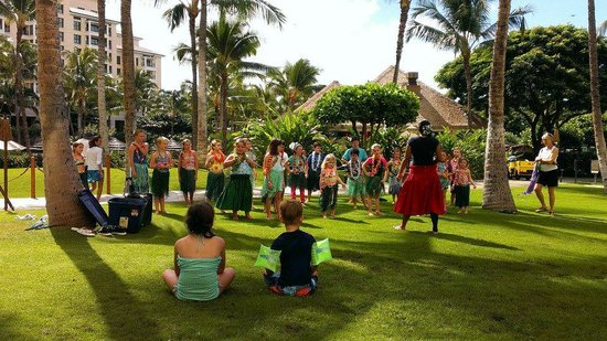 Marriott Ko Olina Beach Club: Children's Hoola Lesson