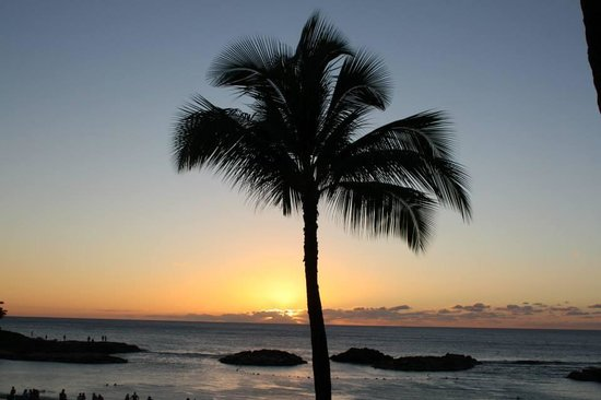 Marriott Ko Olina Beach Club: Sunset photo taken from Longboards bar