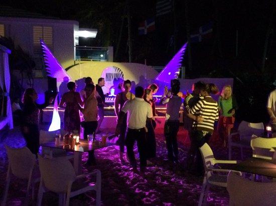 Presidential Suites - Punta Cana : Evening entertainment