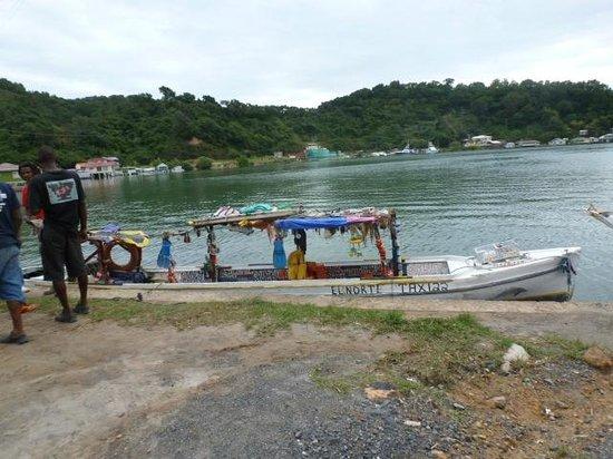 Island Marketing Ltd Roatan Cruise Excursions - Tours : Roatan water taxi