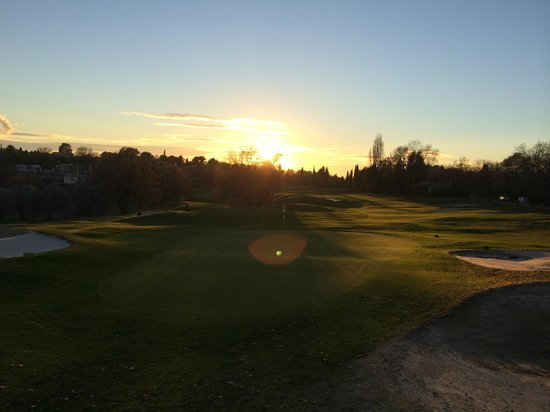 Club Med Opio Provence : Sunset over golf course