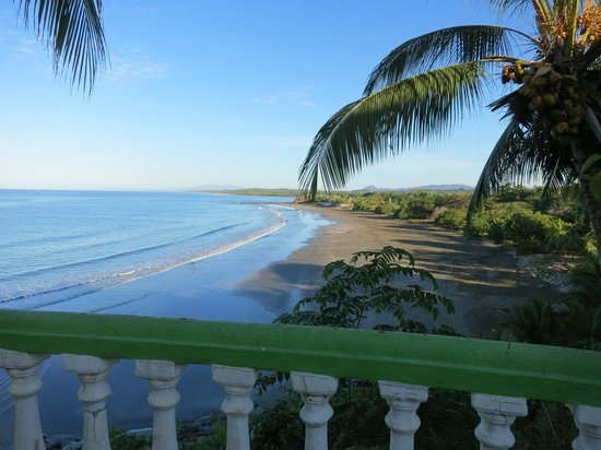 Rise Up Surf Tours Nicaragua: View from the Patio, just looking relaxes