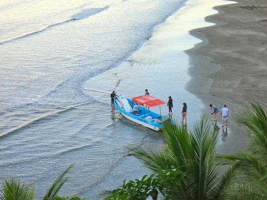 Rise Up Surf Tours Nicaragua : The fishing/surf trip boat