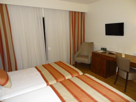 Cinquentenario Hotel : Pormenor de quarto