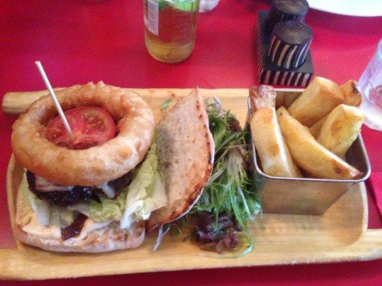 Breeze Brasserie: LA beef burger