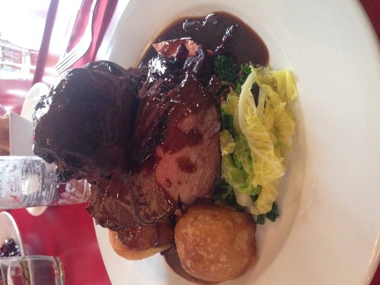 Breeze Brasserie: Sunday roast -beef