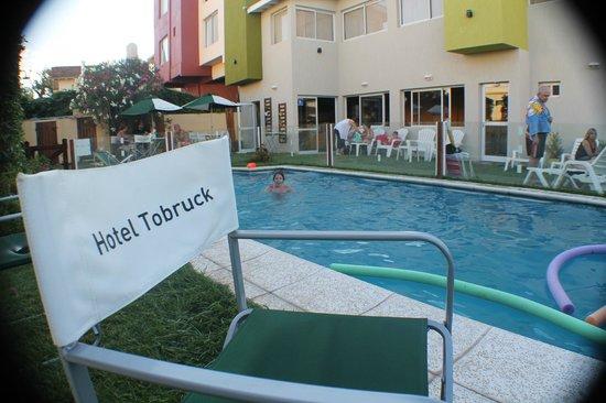 Hotel Tobruck: El bar de Walter de fondo