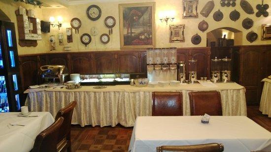 Hotel U Zlateho Stromu: Restaurante dentro do hotel