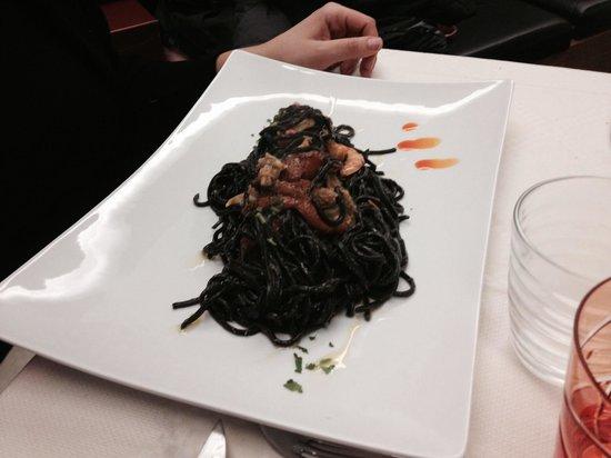 Greka' Restaurant: Tagliolini nero di seppia