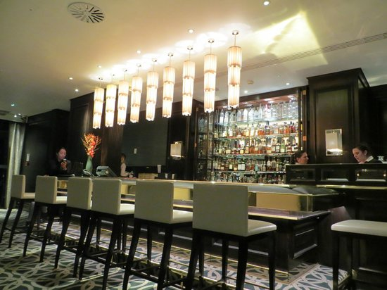 The Park Tower Knightsbridge, A Luxury Collection Hotel, London: Hyde Park Bar