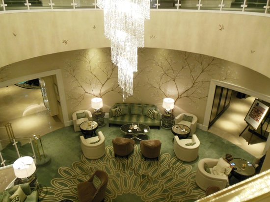 The Park Tower Knightsbridge, A Luxury Collection Hotel, London: Sitting area for tea time etc