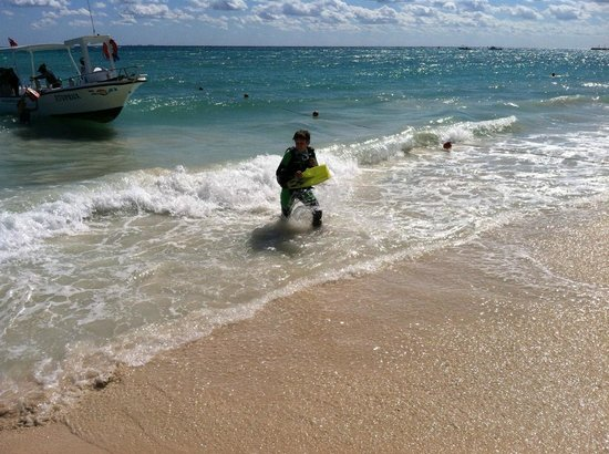 Vida Aquatica Dive Center: John finished his certification dives