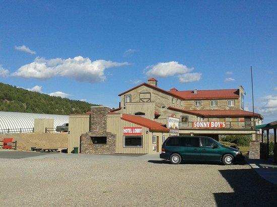 Quality Inn Bryce Canyon : vista da area de restaurantes e administração