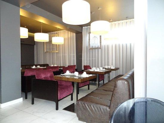 Saboia Estoril Hotel: Sala de pequeno almoço