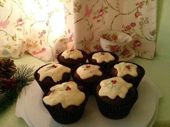 Laura's Kitchen: Christmas Pudding  cupcakes