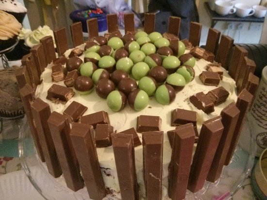 Laura's Kitchen: Chocolate Mint Overload cake