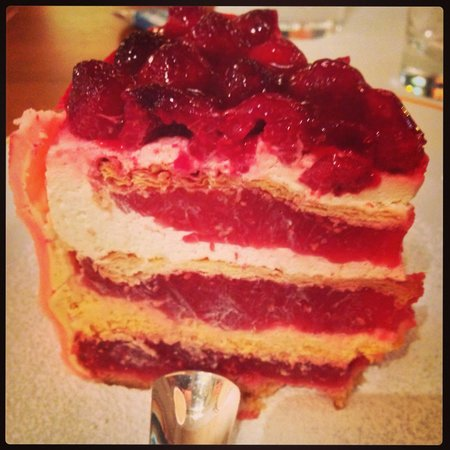 Restauracja Krysztalowa : Tort malinowy