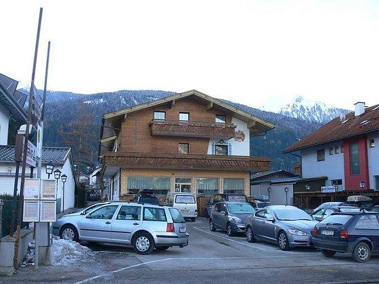 Götznerhof: Family run, free parking