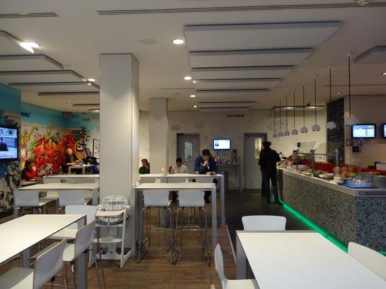 Ibis Styles Berlin Mitte: Breakfast area