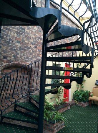 Best Western Valley Hotel: feature stair