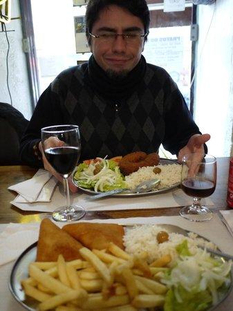 Restaurante Caravela da Ribeira: quedamos bastante llenos.
