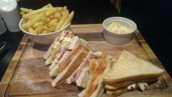The Daffodil Hotel & Spa : Club Sandwich from the bar